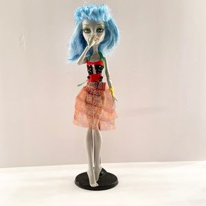 Monster High- Ghoulia Skull Shores